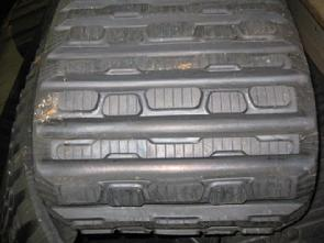 CAT_257B_Rubber_Tracks_Traction_Tread